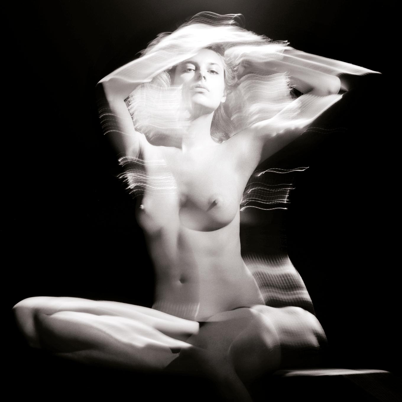 linda bujoli - corps sculpture - photographie de nu féminin - masculin - corps - véhicule de notre condition humaine - corps et trésor - iconique nu - exposition sur le corps - symbolique du corps - objet de désir -