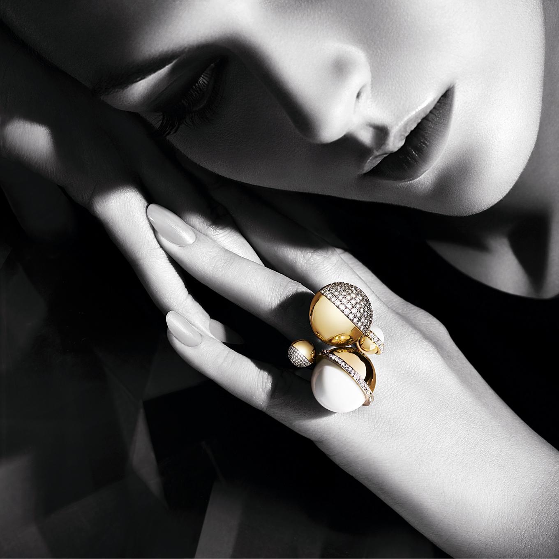 Maison Repossi LVMH - linda-bujoli-photographe-campagne-bijoux-djula-femme-bijoux portés - accessoires portéslinda-bujoli-photographe-campagne-bijoux - Lara - Bohinc -femme-bijoux portés - accessoires portés