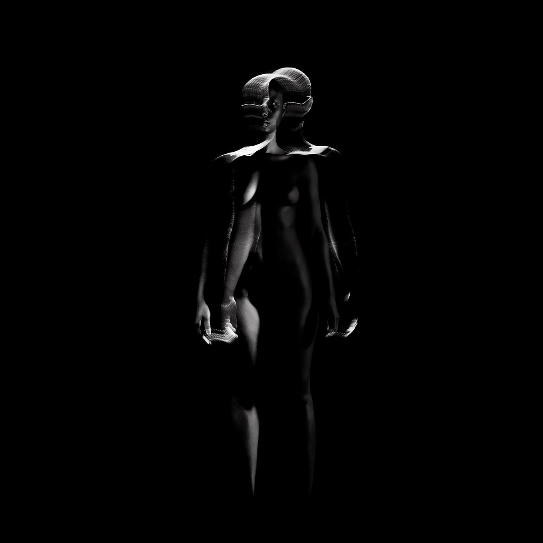 Corps sculpté dans la lumière -sculpture musicale - éternel féminin photographie argentique - Land Me - Groupe imprimerie nationale - atelier du livre d'art et de l'estampe - groupe de musique AIR - Nicolas godin - jean-benoit dunckel - livre-objet - exposition - le corps féminin - poésie pluri-sensorielle -